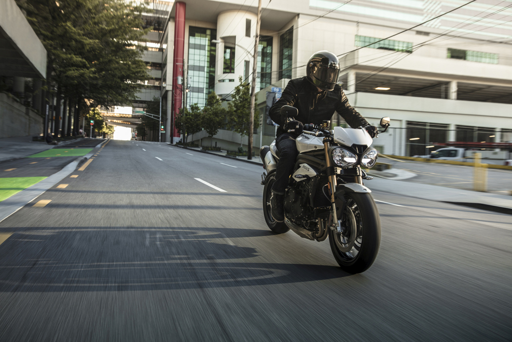 Triumph Speed Triple S y RS 2018 MotorADN (7)