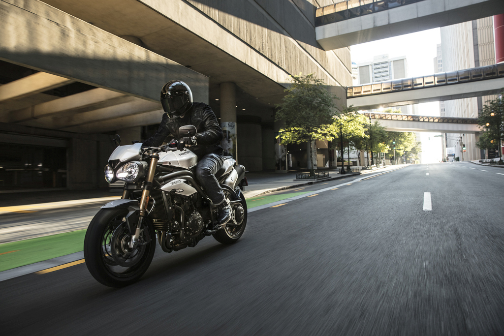 Triumph Speed Triple S y RS 2018 MotorADN (8)
