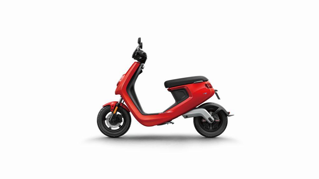 NIU scooter eléctrico Serie M MotorADN (1)