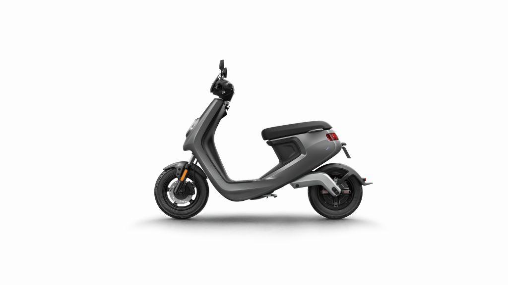 NIU scooter eléctrico Serie M MotorADN (10)