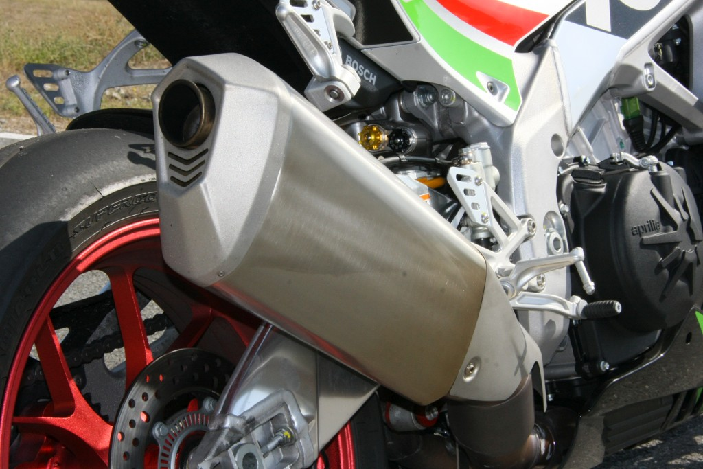 Prueba Aprilia RSV4 RF 2018 MotorADN (18)
