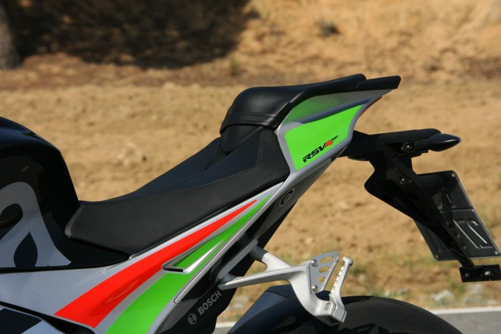 Prueba Aprilia RSV4 RF 2018 MotorADN (39)
