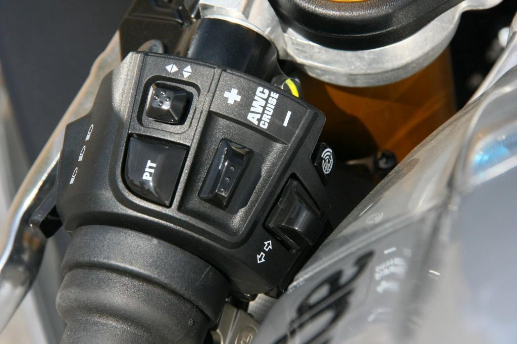 Prueba Aprilia RSV4 RF 2018 MotorADN (41)