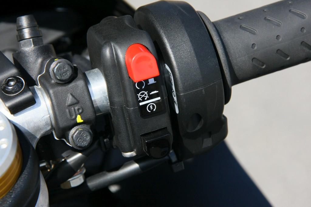 Prueba Aprilia RSV4 RF 2018 MotorADN (42)