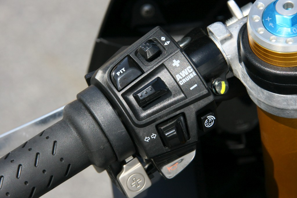 Prueba Aprilia RSV4 RF 2018 MotorADN (44)