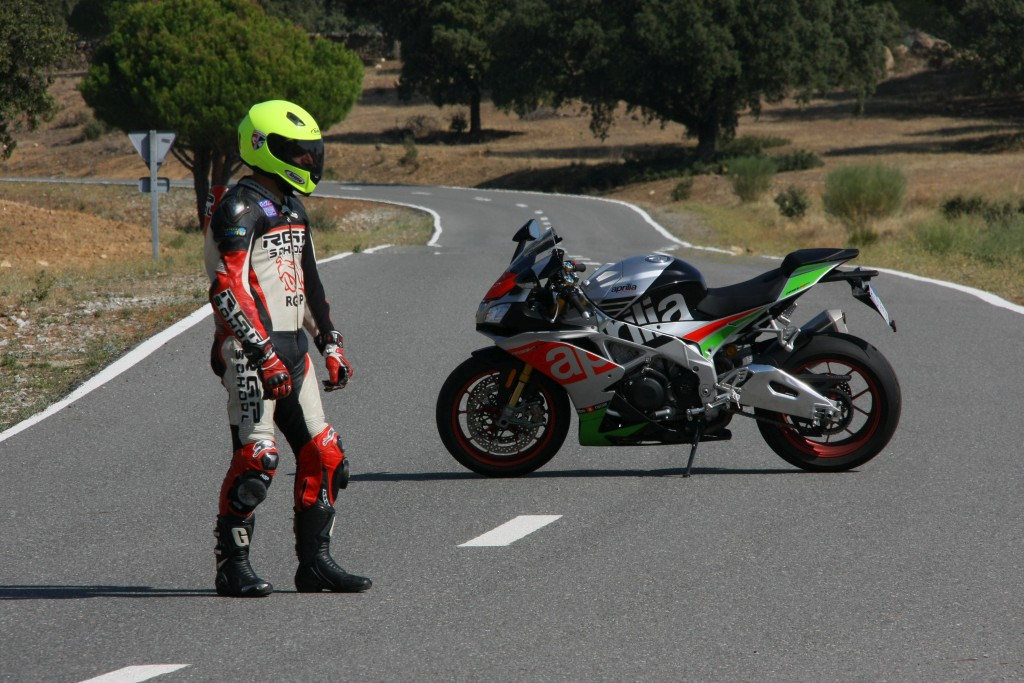 Prueba Aprilia RSV4 RF 2018 MotorADN (6)