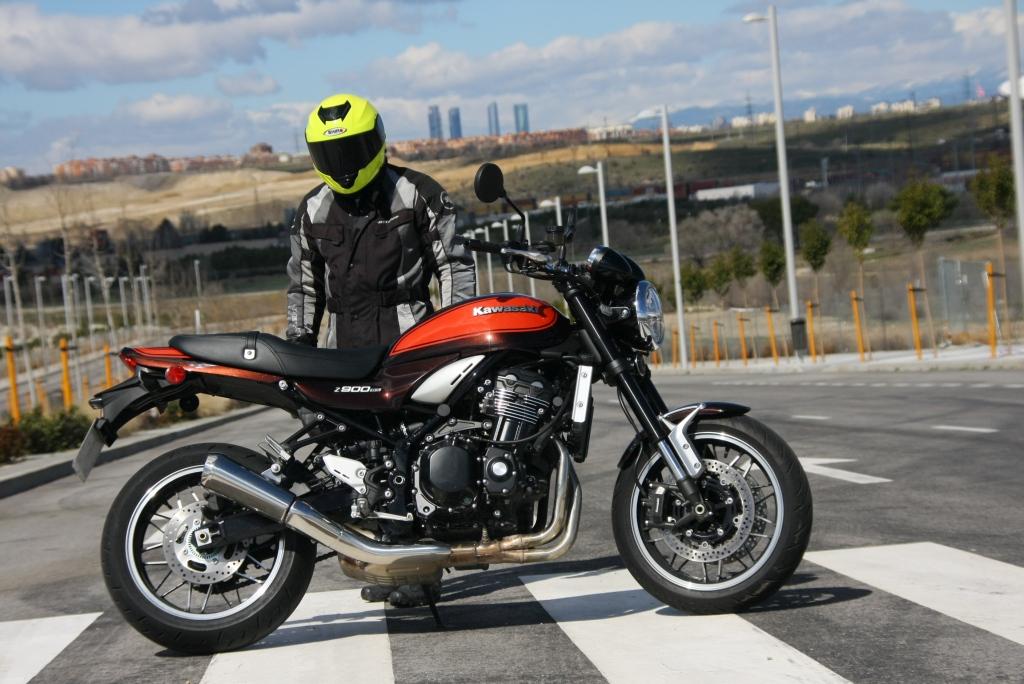 Prueba Kawasaki Z900 RS 2018 MotorADN (1)