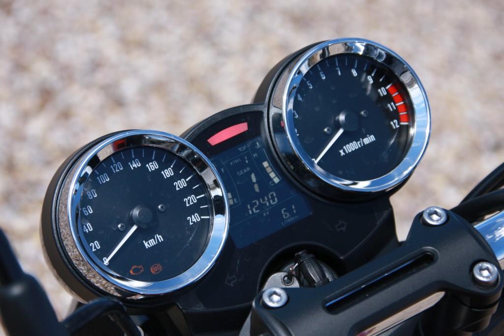 Prueba Kawasaki Z900 RS 2018 MotorADN (10)