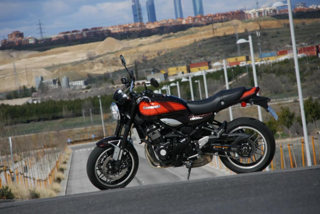 Prueba Kawasaki Z900 RS 2018 MotorADN (35)