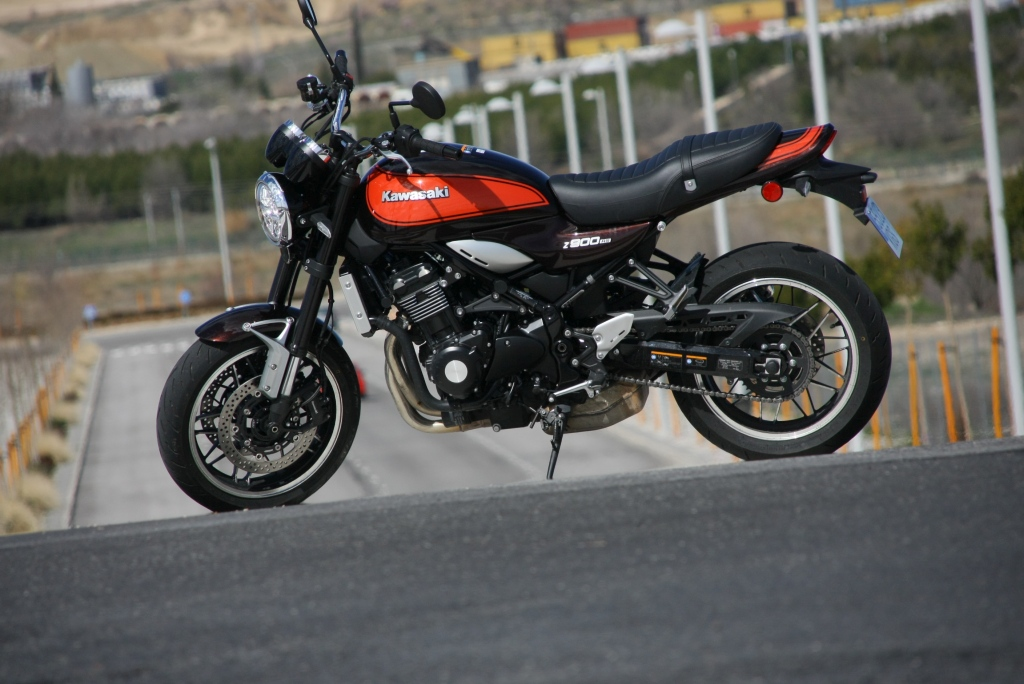 Prueba Kawasaki Z900 RS 2018 MotorADN (36)