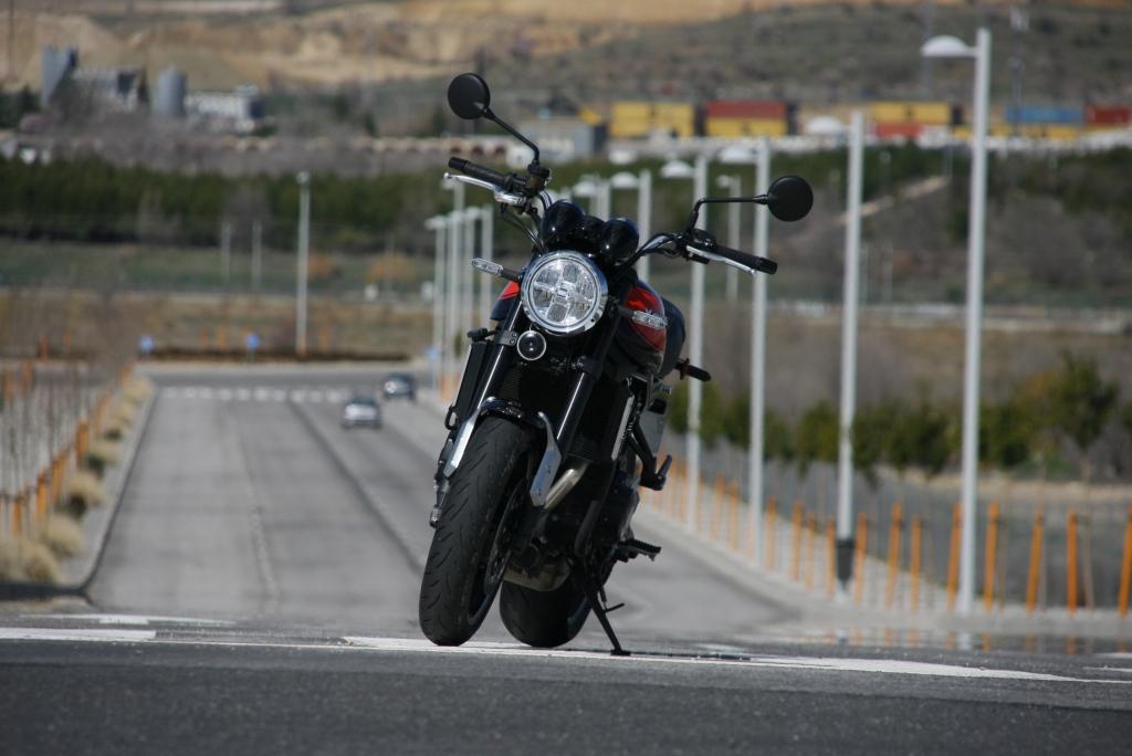 Prueba Kawasaki Z900 RS 2018 MotorADN (38)