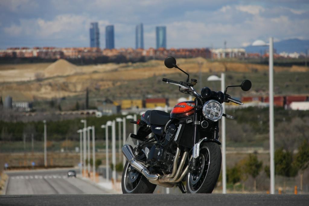 Prueba Kawasaki Z900 RS 2018 MotorADN (40)
