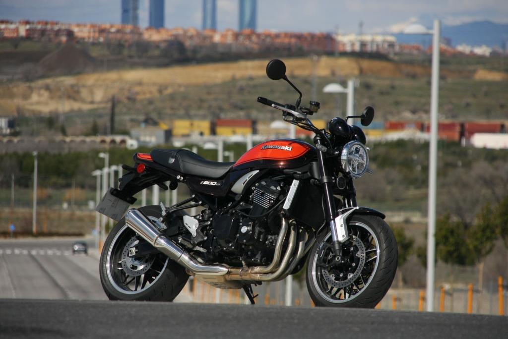 Prueba Kawasaki Z900 RS 2018 MotorADN (43)