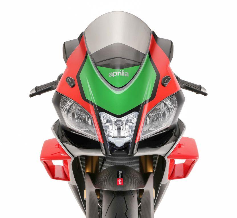 Aprilia RSV4 RF CON ALERONES WINGLETS ESTILO mOTOGP MotorADN (4)