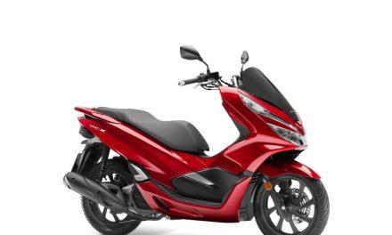 Fotos Honda PCX 125 2018 (30 imágenes)