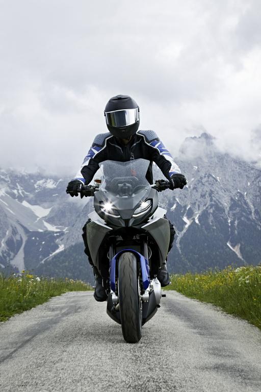 BMW Motorrad Concept 9cento MotorADN (14)