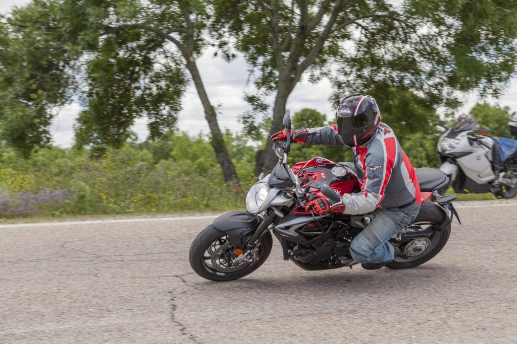 MVAugusta Brutale 800RR 2018 MotorADN (20)