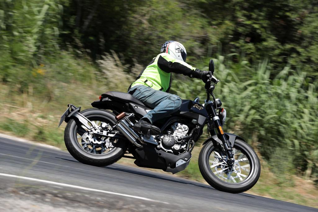 Rieju CenturY 125 2018 MotorADN (75)