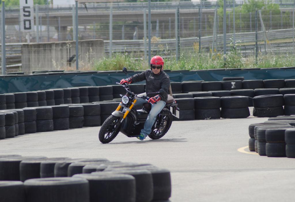 Presentación motos eléctricas NUUK 2018 MotorADN (31)