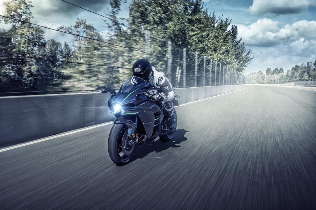 Kawasaki H2 2019 previo MotorADN (16)