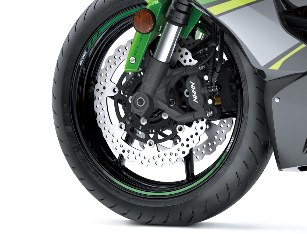Kawasaki Ninja ZX-6R 2019 MotorADN previo (18)