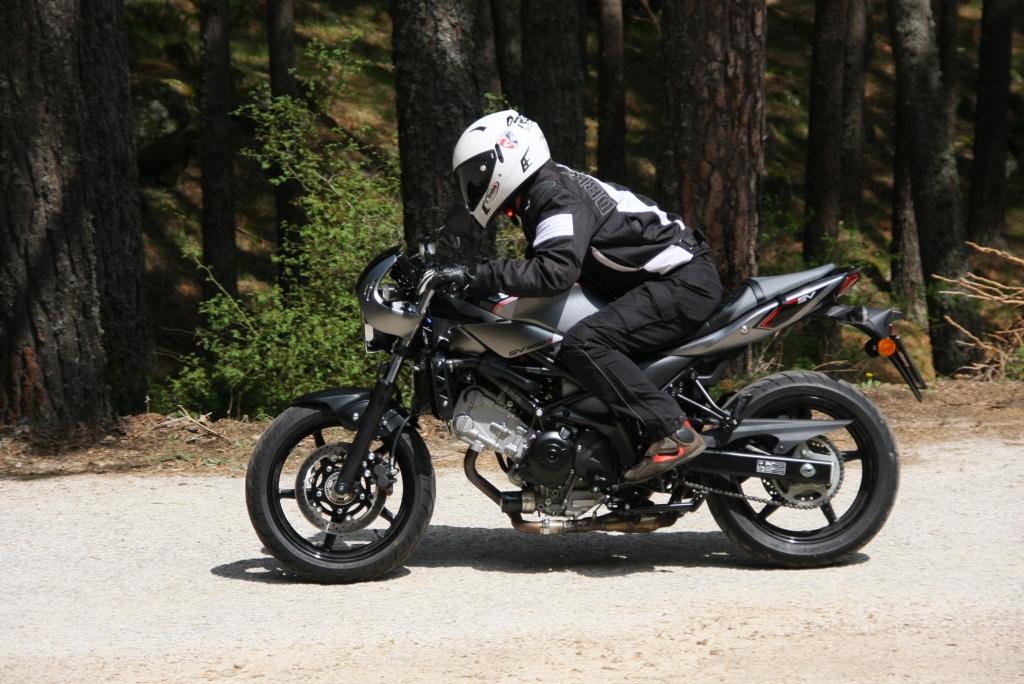 Prueba Suzuki SV 650 X 2018 MotorADN (24)