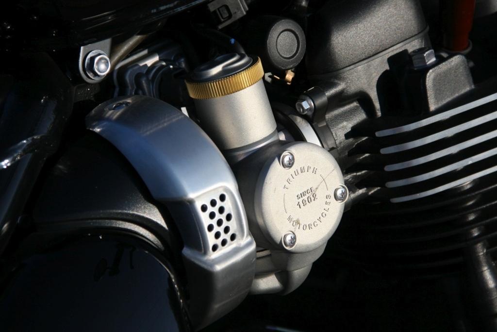Prueba Triumph Bobber Black 2018 MotorADN (11)