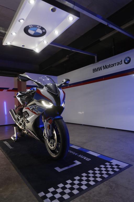BMW S1000RR 2019 MOTORADN previo (11)