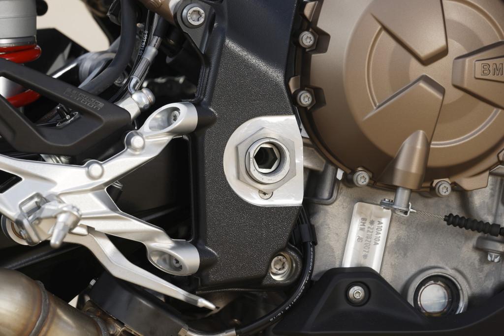 BMW S1000RR 2019 MOTORADN previo (48)