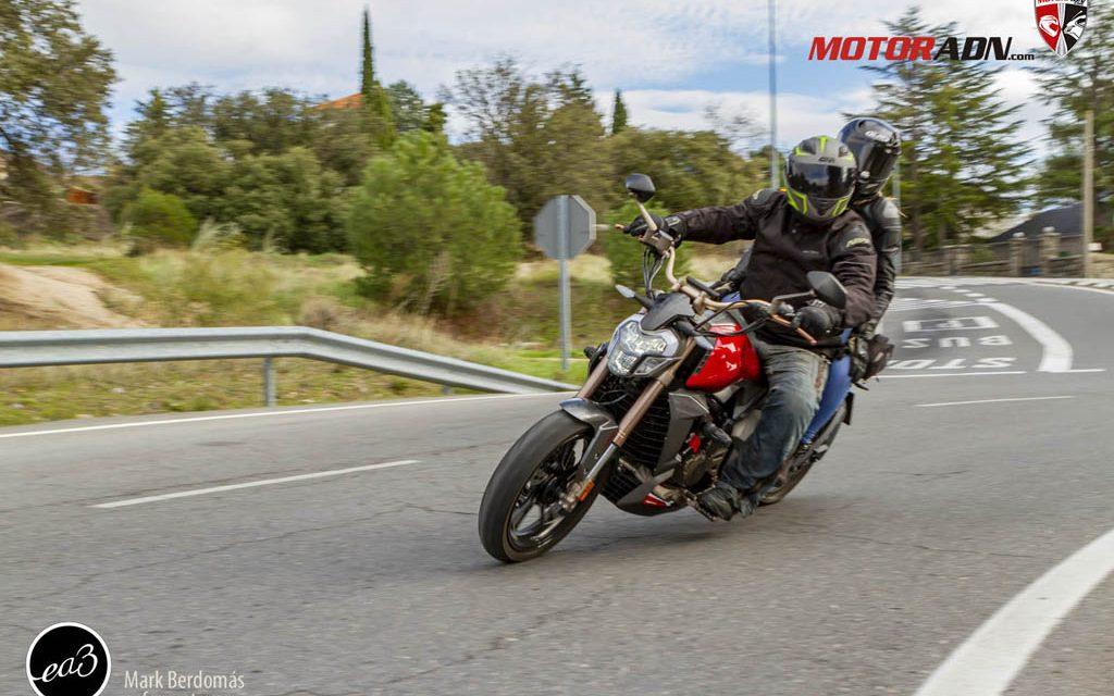 FOTOS  Zontes 310 V custom prueba MotorADN