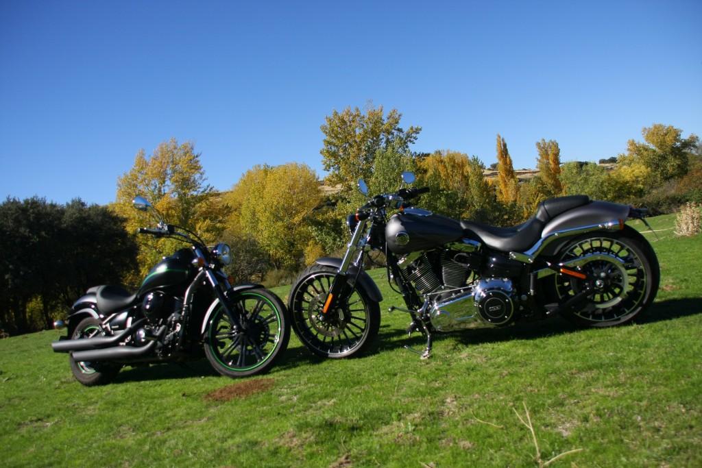 comparativa-harley-davidson-breakout-kawa-vulcan-900-custom-red-44