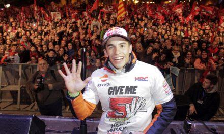 Marc Marquez celebra el campeonato MotoGP 2016 en su pueblo, Cervera