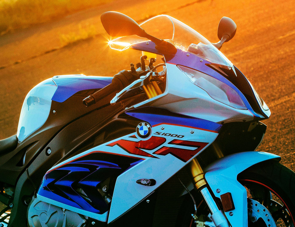 bmw-s1000rr-2017-frontal-red