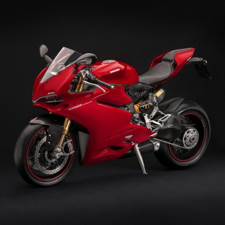 miniatura-superbike-1299-panigale-s-1-4-69330-e-red