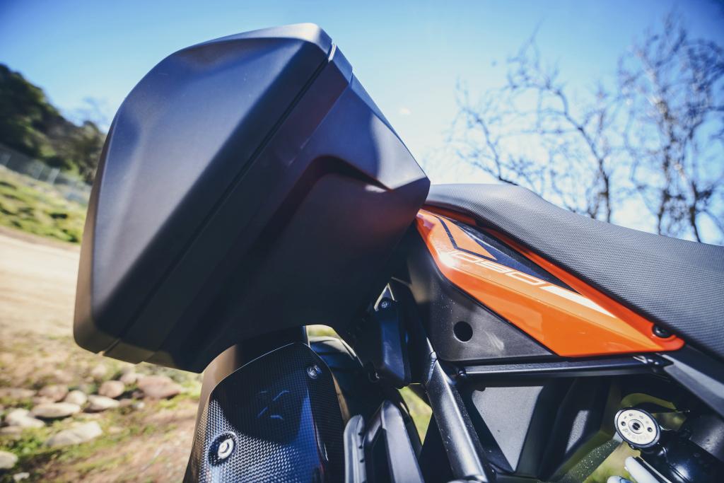 KTM 1290 SuperAdventure-1090 Adventure. Perfiels y Detalles (68)