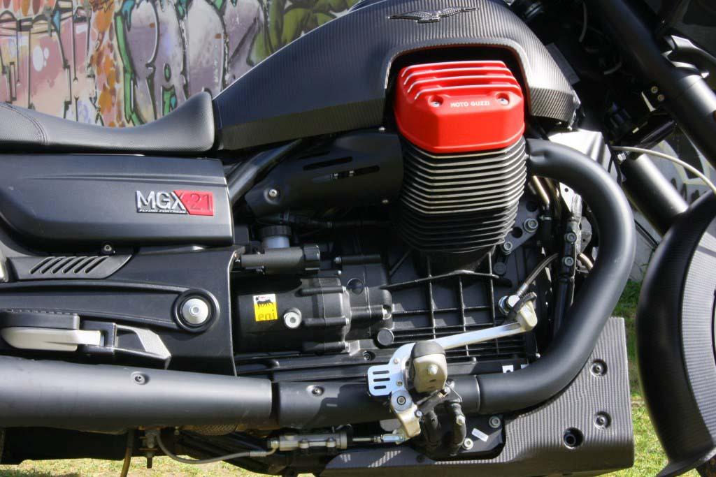 Moto Guzzi MGX21 (15)