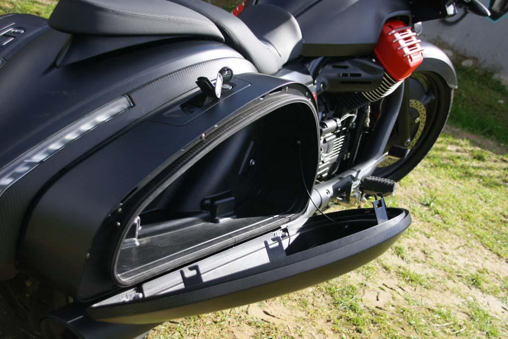 Moto Guzzi MGX21 (34)