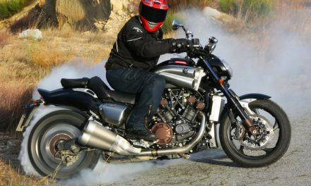 La Yamaha VMax se deja de fabricar. ¡Adiós, reina de las Muscle Bikes!
