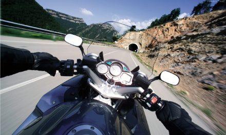 Prepara tu moto para viajar (2): ¡Mira los niveles, la presión y ténsalo todo!