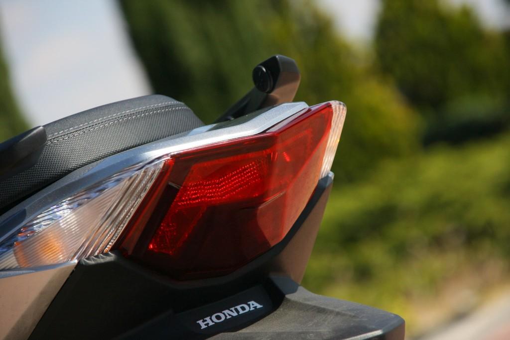 Honda Forza 2017 MotorADN (19)