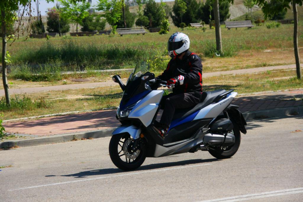 Honda Forza 2017 MotorADN (3)