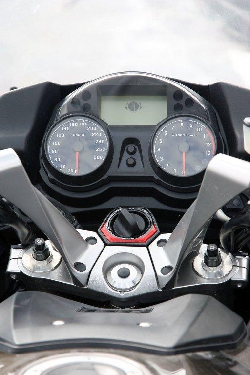 Kawasaki GTR 1400 MotorADN (13)