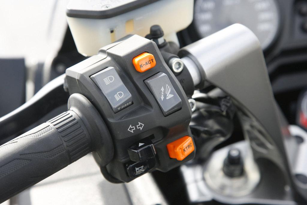 Kawasaki GTR 1400 MotorADN (14)