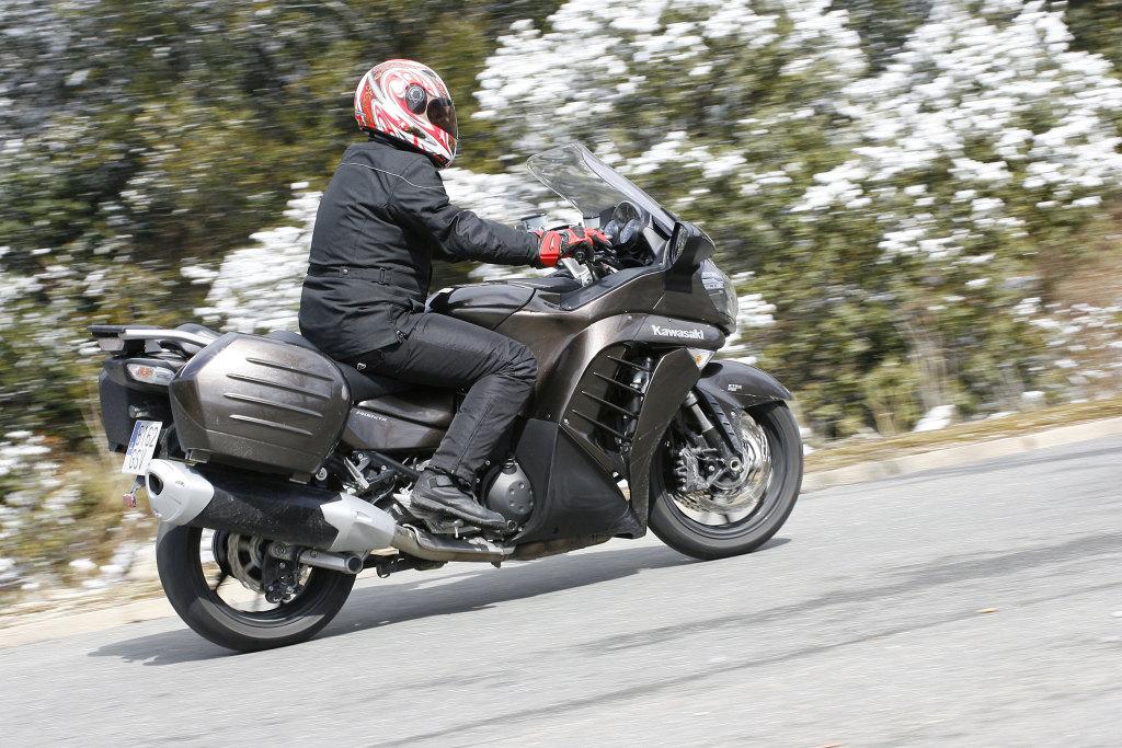 Kawasaki GTR 1400 MotorADN (9)