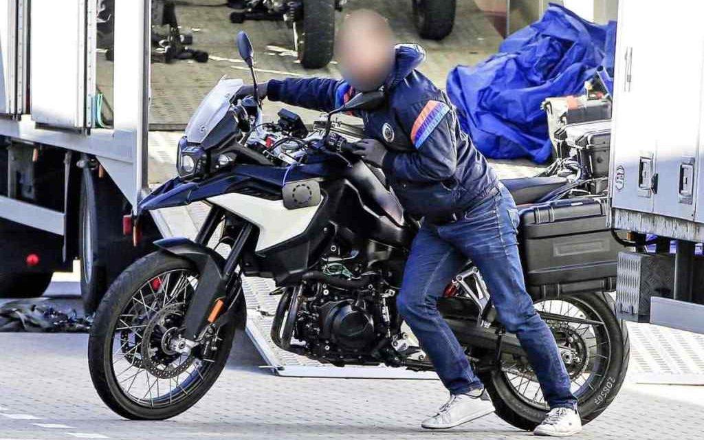 Motos 2018: BMW F900GS ¿con motor Husqvarna?