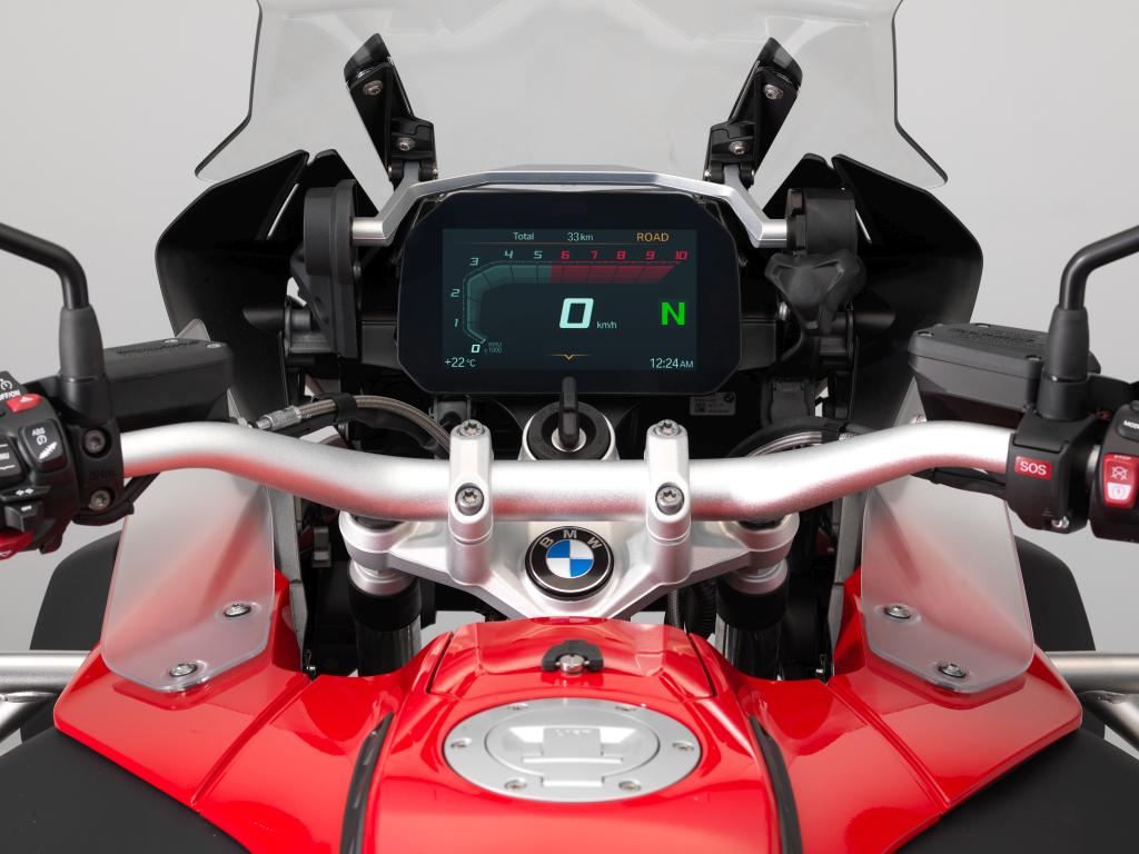 BMW ECALL y llamada de emergencia pantalla TFT (1)