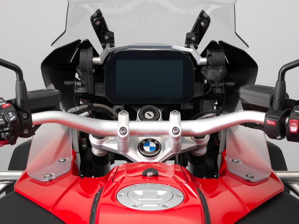 BMW ECALL y llamada de emergencia pantalla TFT (2)