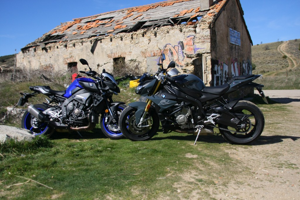 Comparativa BMW S1000R-Yamaha MT10 MotorADN (1)