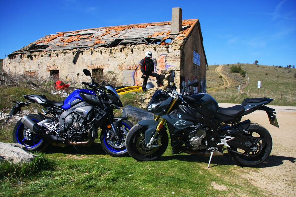 Comparativa BMW S1000R-Yamaha MT10 MotorADN (4)