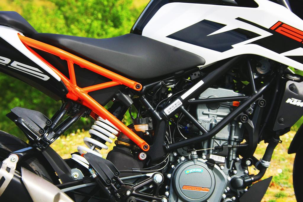 KTM Duke 125 2017 MotorADN (16)